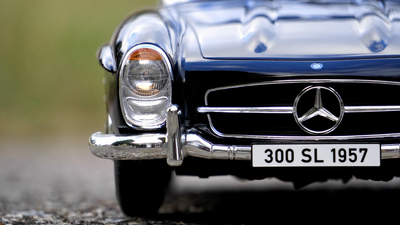 Klassisk Mercedes i svart